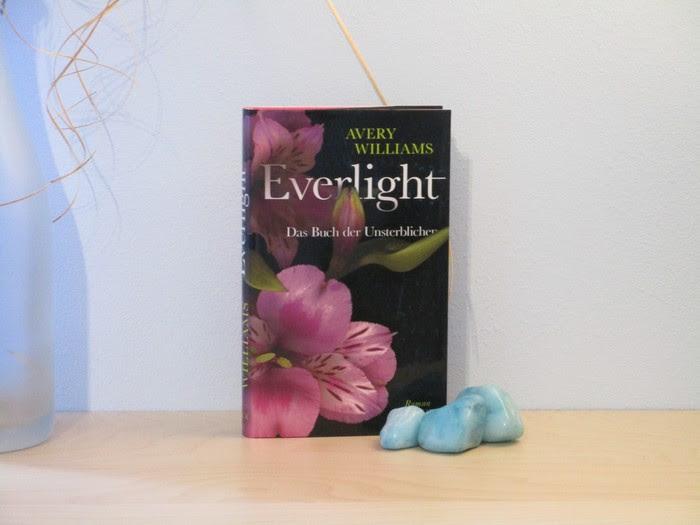 Everlight - Das Buch der Unsterblichen von Avery Williams