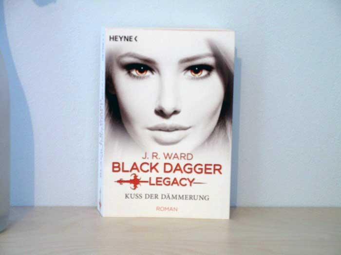 Black Dagger Legacy - Kuss der Dämmerung von J. R. Ward
