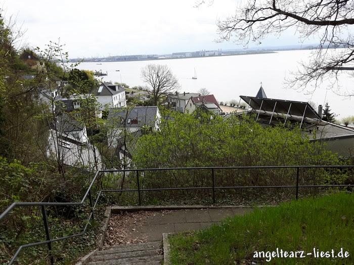 Ausblick auf die Elbe - Hamburger Treppenviertel