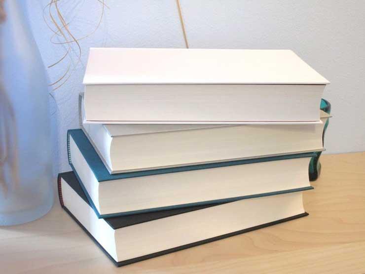 Weisse Buchschnitte
