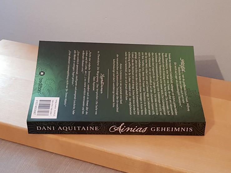 Rezension Ainias Geheimnis von Dani Aquitaine