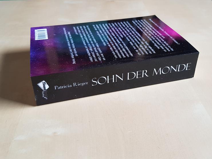 Rezension Sohn der Monde von Patricia Rieger