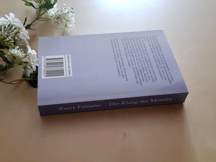 Der Klang des Mondes von Avery Fabiano