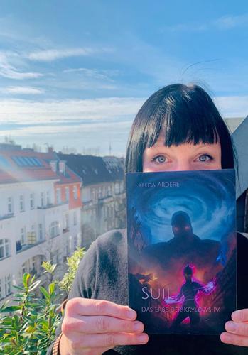 Autorin Kelda Ardere